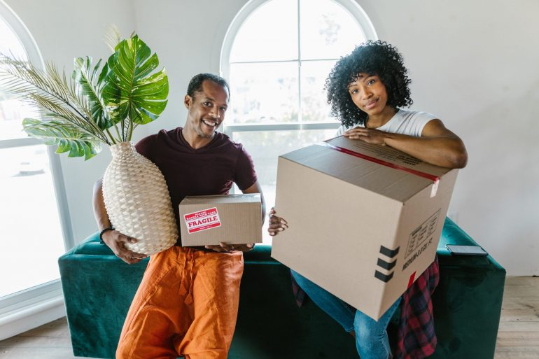 when to hire movers